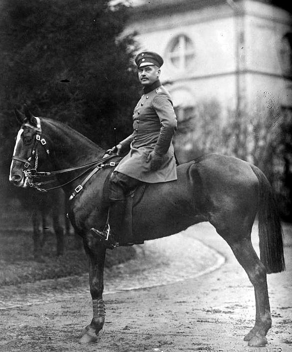 von Sanders à Cassel en 1913 alors qu'il commande la 22ème division d'infanterie