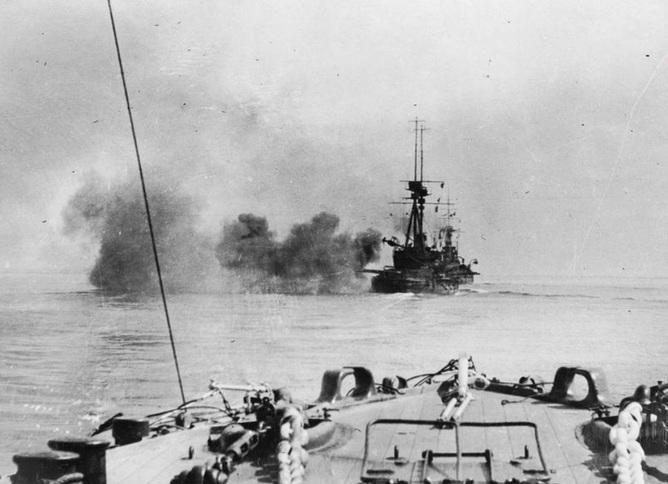 Bombardement naval des défenses ottomanes